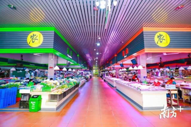 深圳改造升级后的农贸市场。